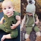 Baby Sleeveles Romper met hoody